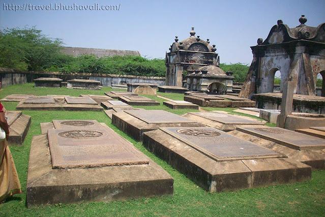 Pulicat Pazhaverkadu Fort Geldria Dutch Cemetery