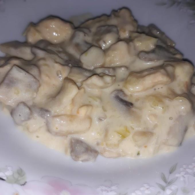 Piletina u saftu sa pecurkama i paprikom