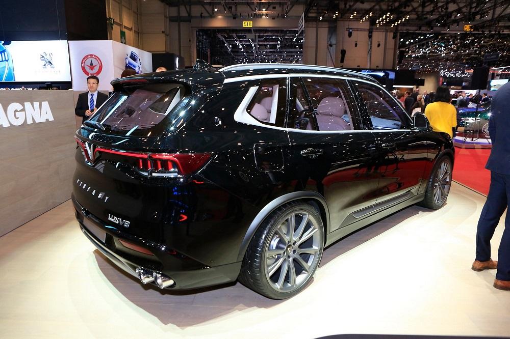 Lux V8