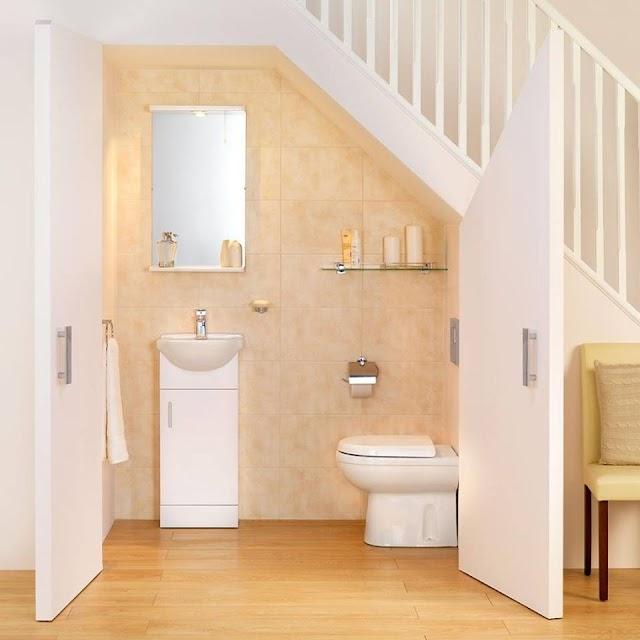Cách biến dạ cầu thang thành phòng tắm đẹp long lanh