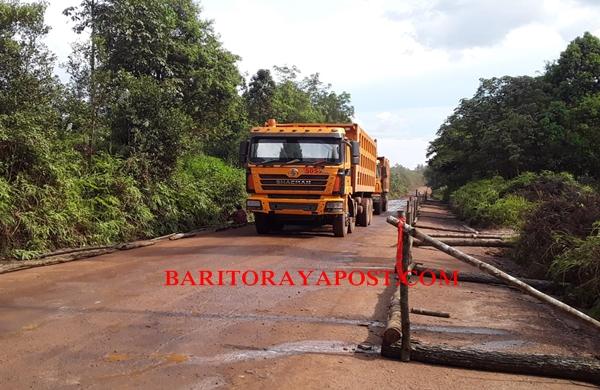 Warga Desa Murutuwu Pagari Bahu Jalan Pertamina, Tuntut Hak Tanah Yang Terkena Pelebaran