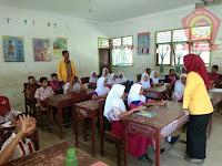 Di Desa Suka Makmur, Mahasiswa KKN UNA Sosialisasi Pendidikan