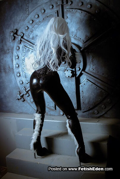 Black latex catsuit Elena Samko white-haired Black cat cosplay in long black leather boots