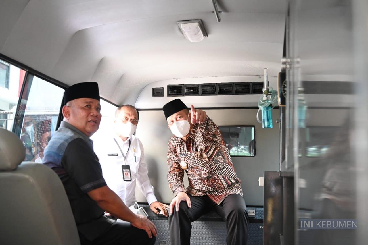 Mudik ke Kebumen, Sekjen Kemendag Bawa Oleh-oleh Ambulan