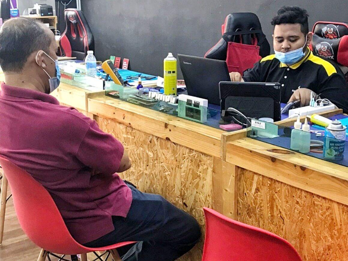 Kedai Repair Telefon dan Laptop Terbaik di MRFIX Gadget Bangi