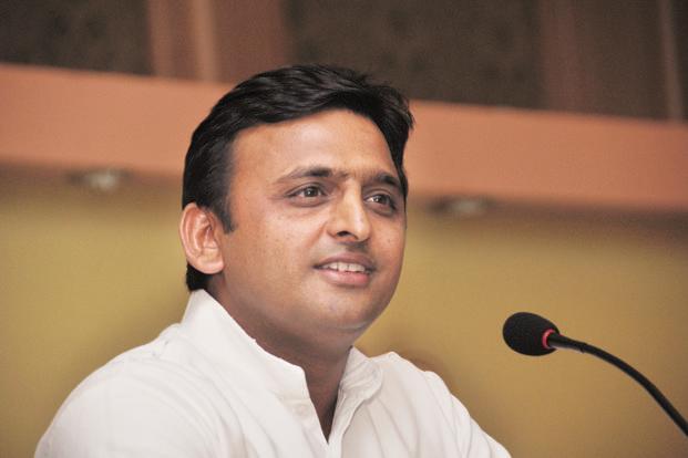 2017 चुनाव से पहले जिलों का दौरा करेंगे CM