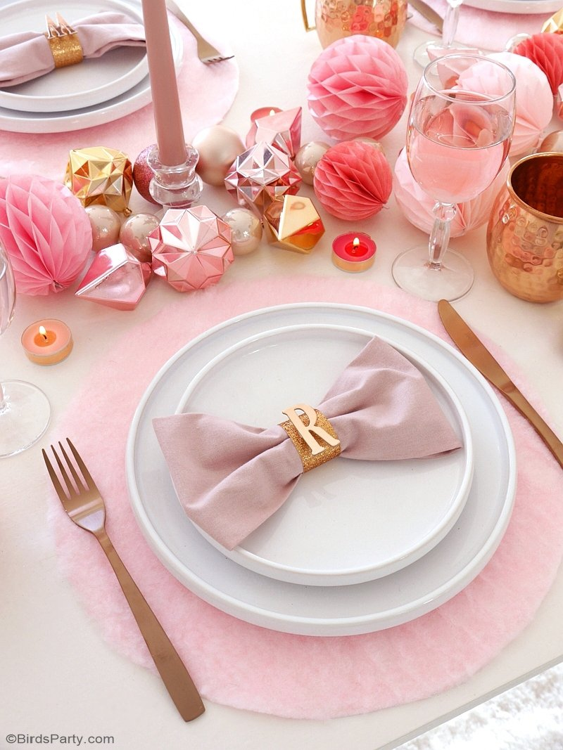 My Pink & Copper Christmas Party - easy styling, decor and table top party ideas for a girly millennial blush pink and metallic holiday tablescape! by BIrdsParty;com @birdsparty #pinkcopper #pinkchristmas #millennialpink #pinkholidaytable #pinktablescape #pinkcoppertable #pinkchristmastable
