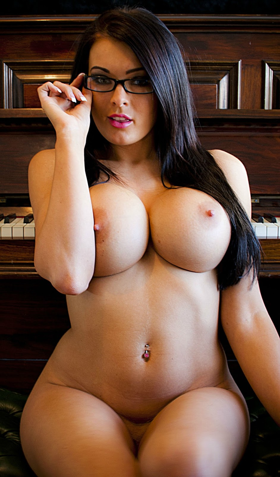 Beautiful latina big tits