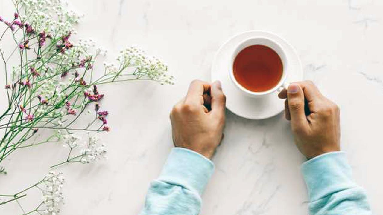 هذا ما يحدث عند تناول الشاي بدون إضافة سكر كل يوم