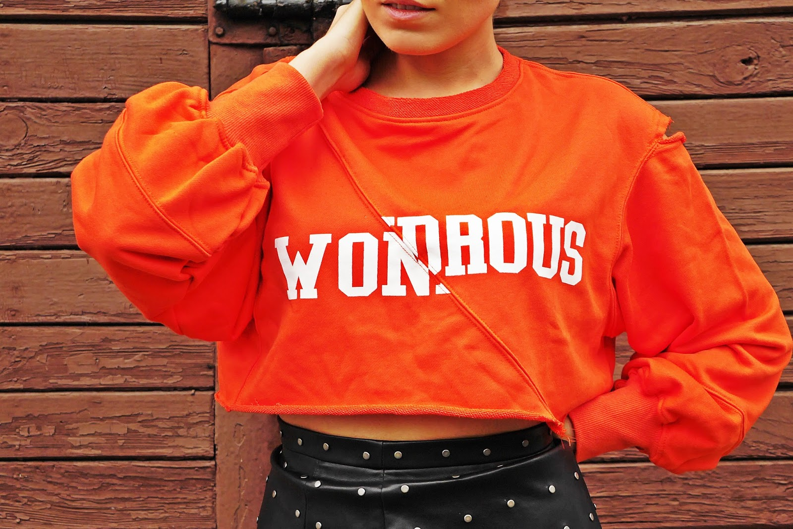 4_leather_skirt_crop_top_orange_hoodies_letter_karyn_blog_modowy_111017d