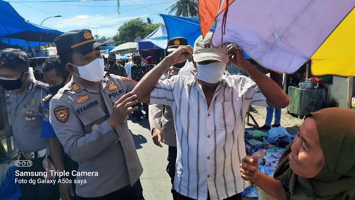 Gelar Operasi Yustisi Satuan Binmas Polres Takalar, Lakukan Pembagian Masker dan Sosialisasi 5 M