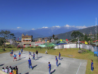The monastery at the Tibetan settlement also offers a scenic view of Ravangla edged by the mountains, so does the school grounds.