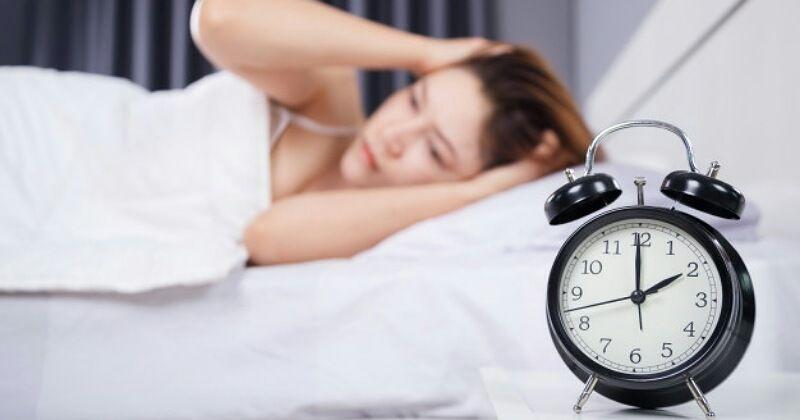 Hindari Melakukan 5 Kebiasaan Buruk Ini Sebelum Tidur