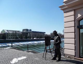Ужгород. Театральная площадь. Памятник Игнатию Рошковичу