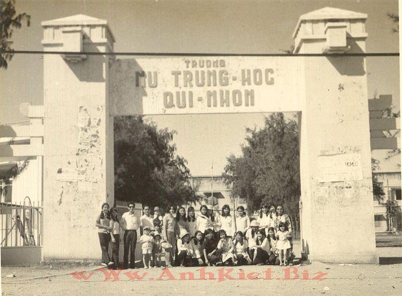 """Image result for Trường nữ trung học Qui Nhơn (Ngô Chi Lan)"""""""