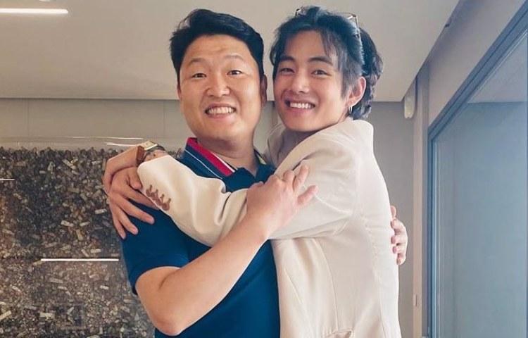 PSY Gets Hug from BTS V