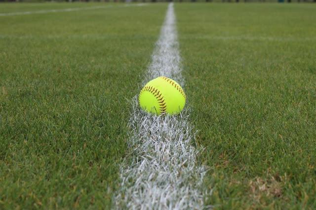 Metamora Grade School Softball beats Beverly Manor, Metamora Herald