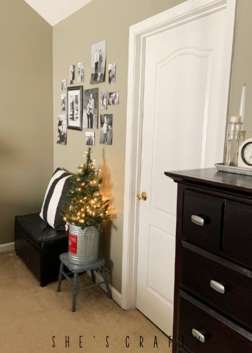How to add a Christmas Tree to a bedroom