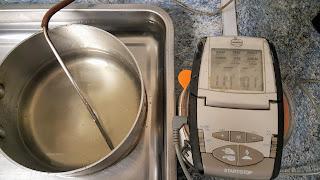 Sucre en train de refroidir à 101°C.