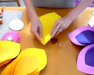 How to make giant hawaiian paper flowers abbi kirsten collections how to make hawaiian paper flowers mightylinksfo
