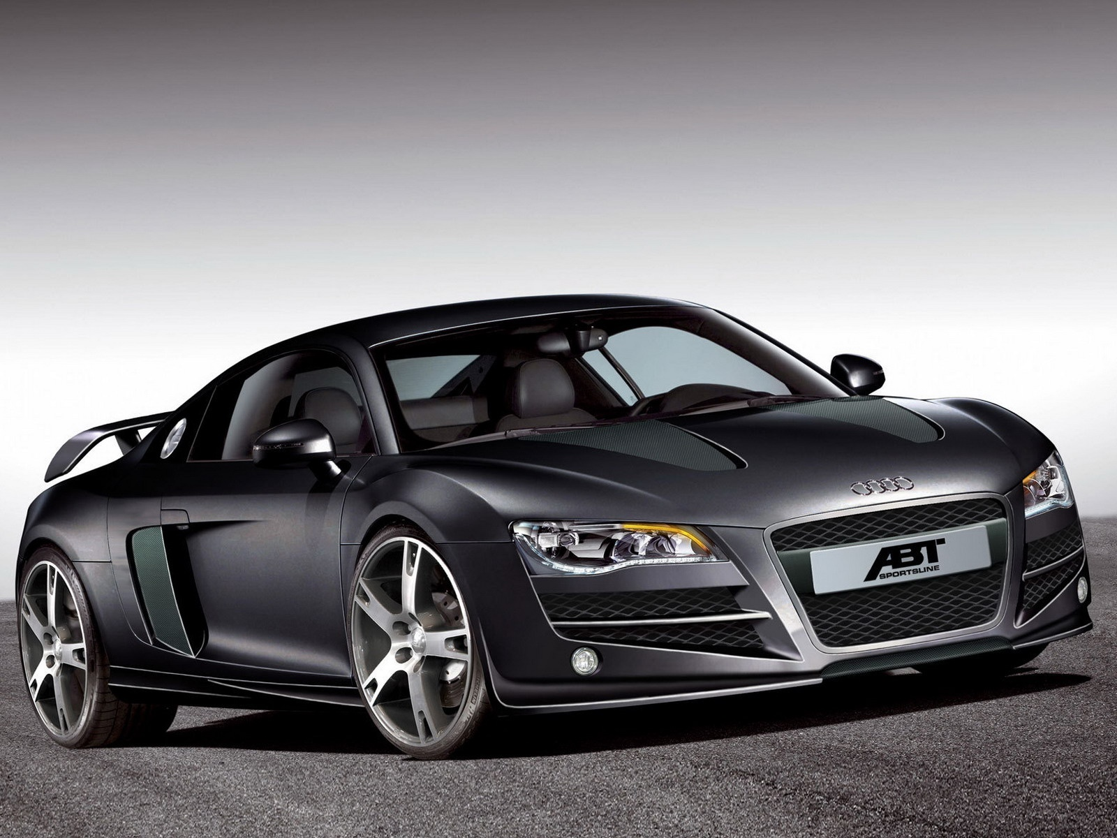 AUDI R8 REVIEWS SPECIFICATIONS