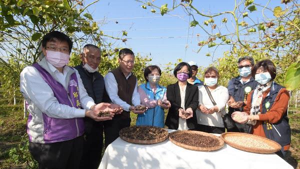 王惠美關懷農業產業 埤頭鄉印加果園參訪