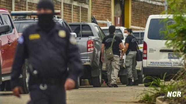 El Salvador localizaron los restos sepultados de al menos 10 personas en la casa de un expolicía.