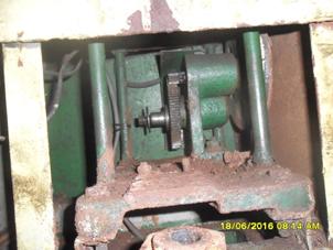 Holder piston pump