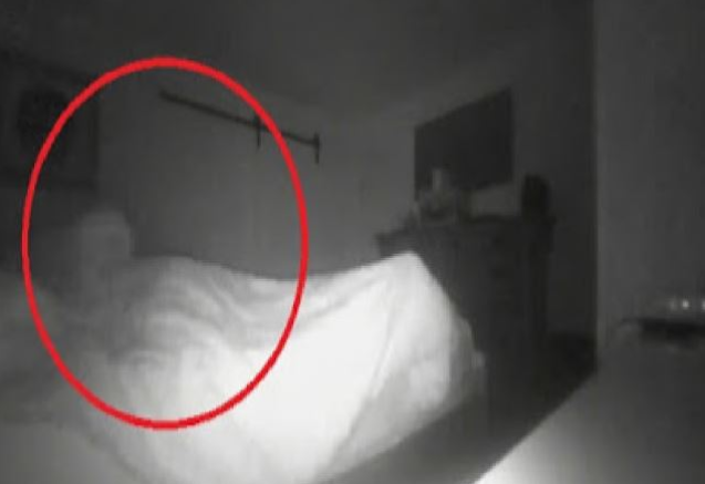 It Sits on My Bed: A Man Filmed a Paranormal Phenomenon in His Bedroom