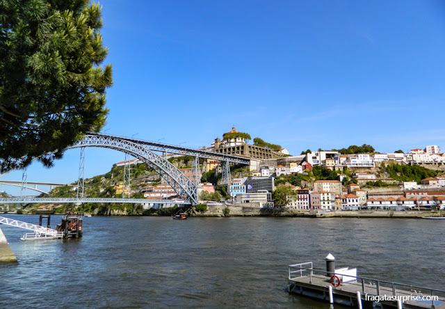 Ponte Luís I e Serra do Pilar. Porto e Gaia, Portugal