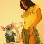 Andrea Rincon, Selena Spice Galeria 13: Hawaiana Camiseta Amarilla Foto 34
