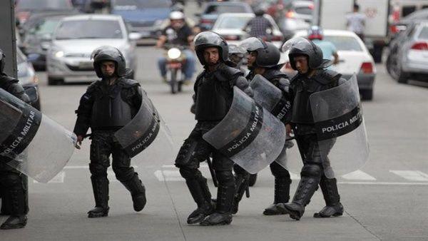 Honduras: Continúan protestas contra JOH tras militarización