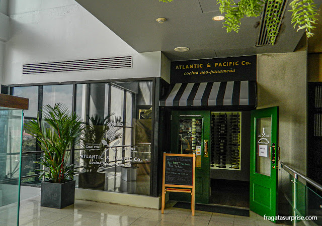 Restaurante no Centro de Visitantes das Eclusas de Miraflores, Canal do Panamá