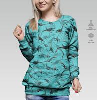 свитер с Лохнесскими монстрами