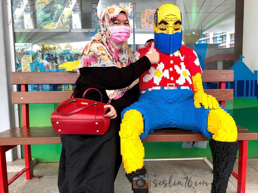 Pakcik LEGO Pun Pakai Mask