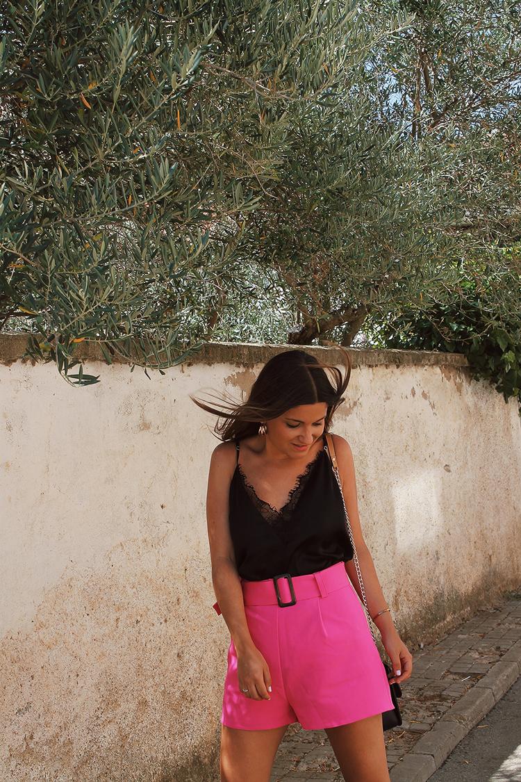 look pantalones cortos rosas blog de moda