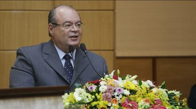 Empresário comete suicídio em evento com governador de Sergipe e ministro