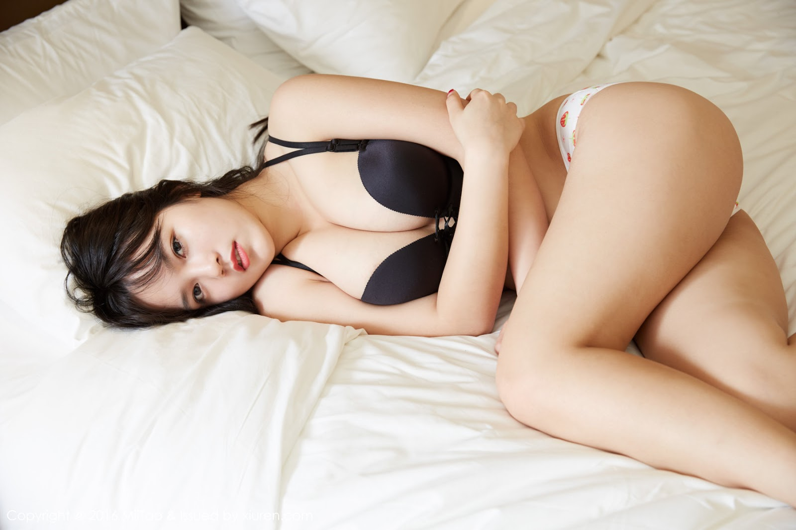 Sexy girl in chinese, girl masturbates while anal