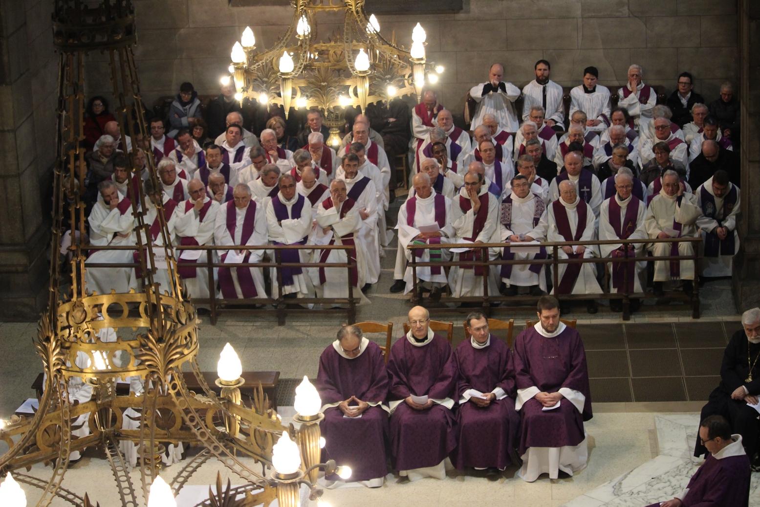 Le presbytérium de Saint-Etienne rend hommage au père François