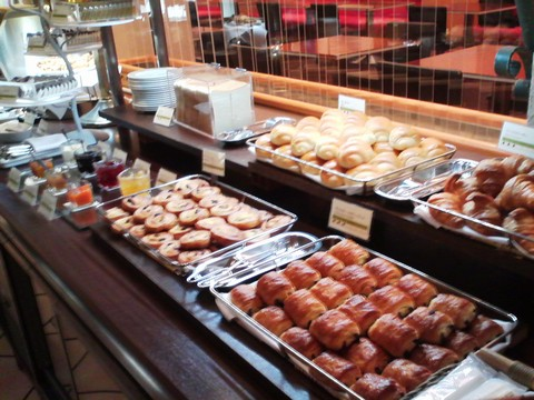 ビュッフェコーナー:パン ホテルエミシア札幌カフェ・ドム