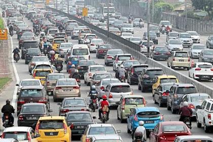 Ini yang Biasa Kamu Lakukan Ketika Terjebak Kemacetan