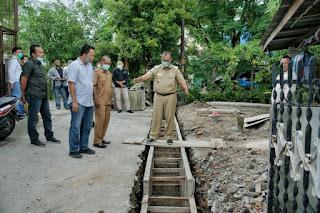 Akhyar Instruksikan Kadis PU Mencatat Drainase yang Perlu Perbaikan
