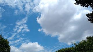 ソーラーパネルテスト日空模様の写真