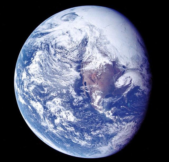 Аполло́н-16 Вид Земли из космоса