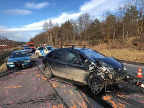 Két autó ütközött Bélapátfalván
