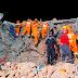 Buscan sobrevivientes tras derrumbe de edificio en India; hay 13 muertos