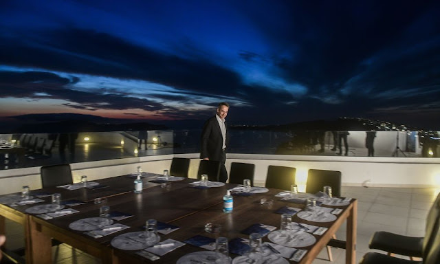 Τουρισμός: «Ανοίξαμε» είπε ο Μητσοτάκης, 1 στα 2 ξενοδοχεία παραμένει κλειστό απαντούν οι ξενοδόχοι