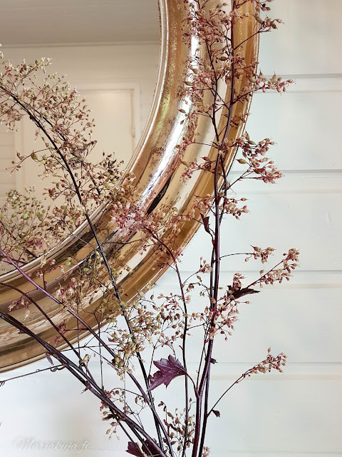 purppurakeijukukka kukinto sisustus maljakkoon