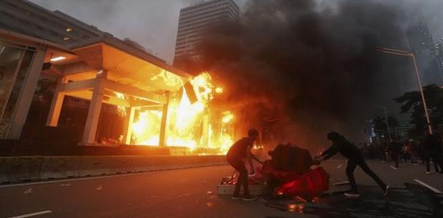 Presiden Jokowi Harus Bertanggung Jawab Atas Segala Kerusakan Akibat Demo