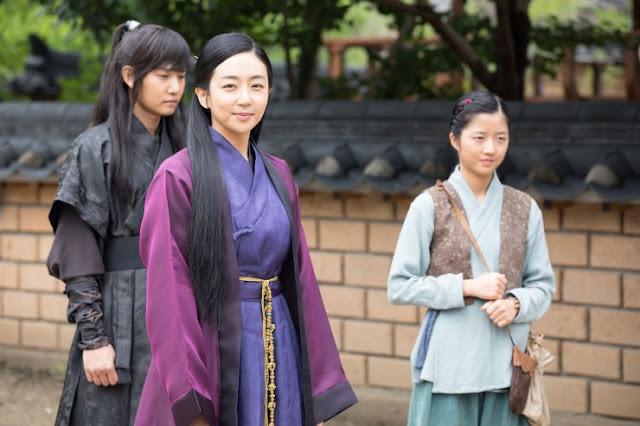 Kim Hyun-Soo as Tae Ok : Film The Swordsman 2020